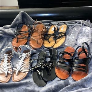 7 pairs of sandals! All included! Sizes 9-10